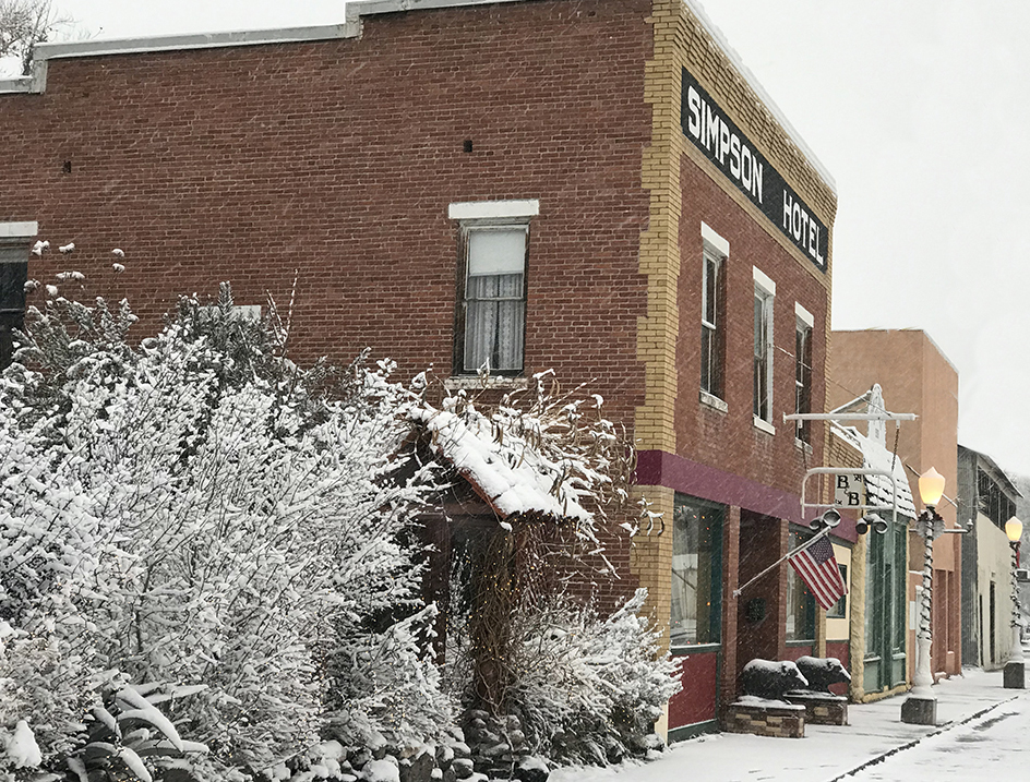Simpson Hotel in the Snow